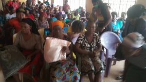 Easter: Bishop Ezeokafor Gifts Bags Of Rice, Others To Over 300 People