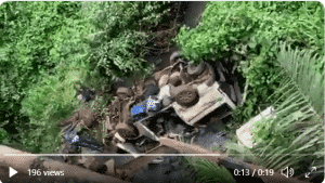 Breaking: 18-seater bus plunged into a river in Ondo