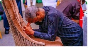 Twitter user reacts to post of Osinbajo praying for security in Nigeria