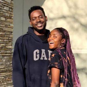 Simi defends her husband Adekunle Gold against trolls on Twitter