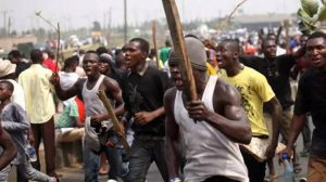 2 people killed as unknown gunmen attack DSS, NAUTH in Nnewi