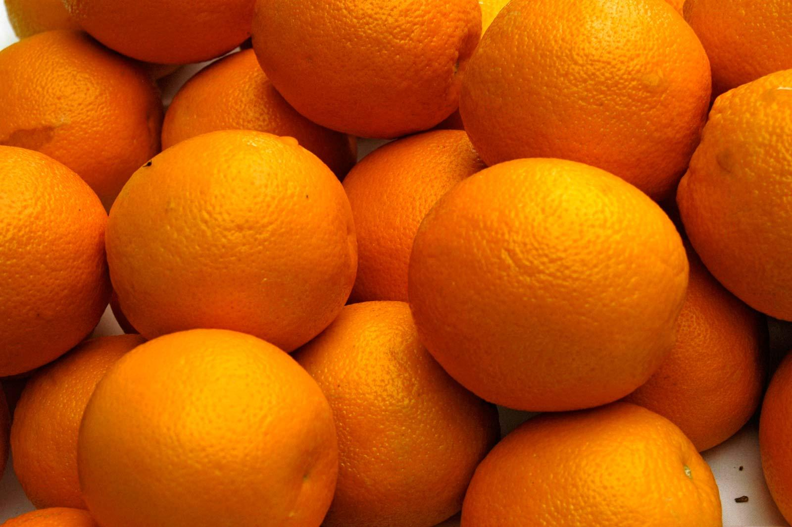 Citrus juice helps your eyes fucntion well
